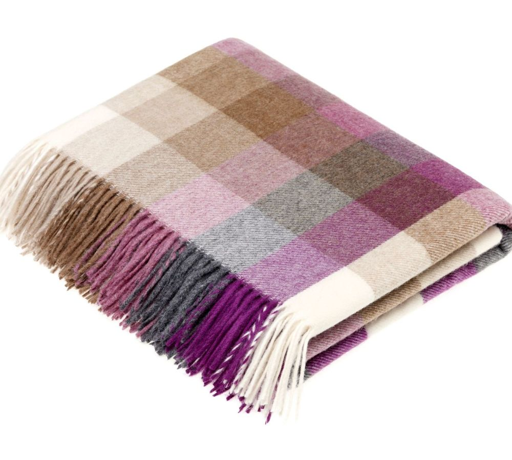 BRONTE by Moon Harlequin Clover Throw in supersoft Merino Lambswool