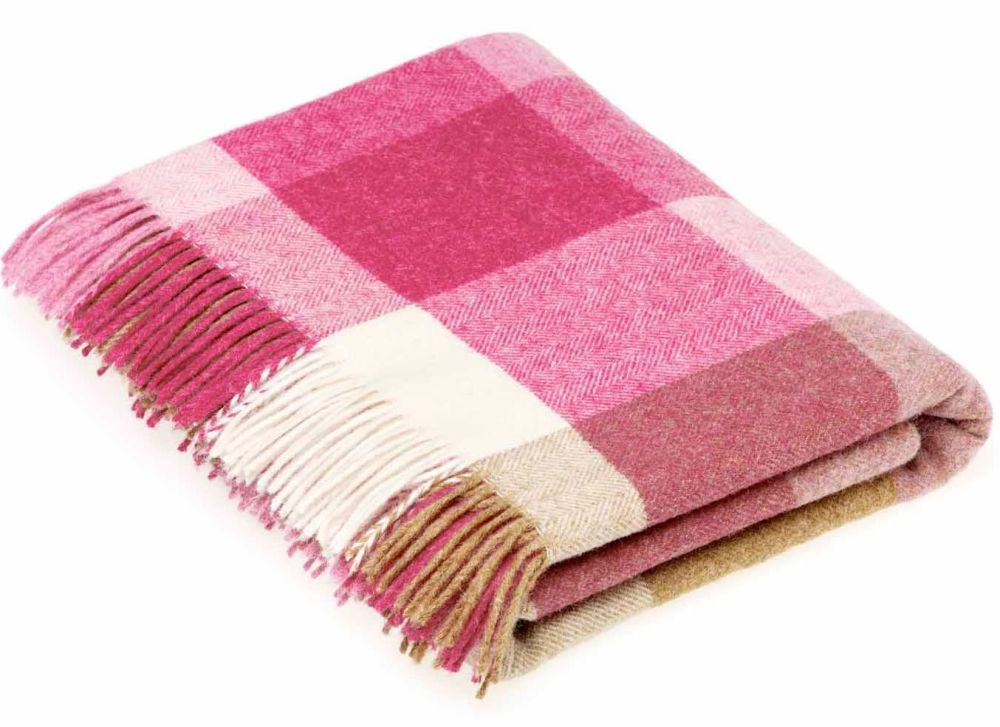 BRONTE by Moon Pink Square Check Throw Pure New Shetland Wool