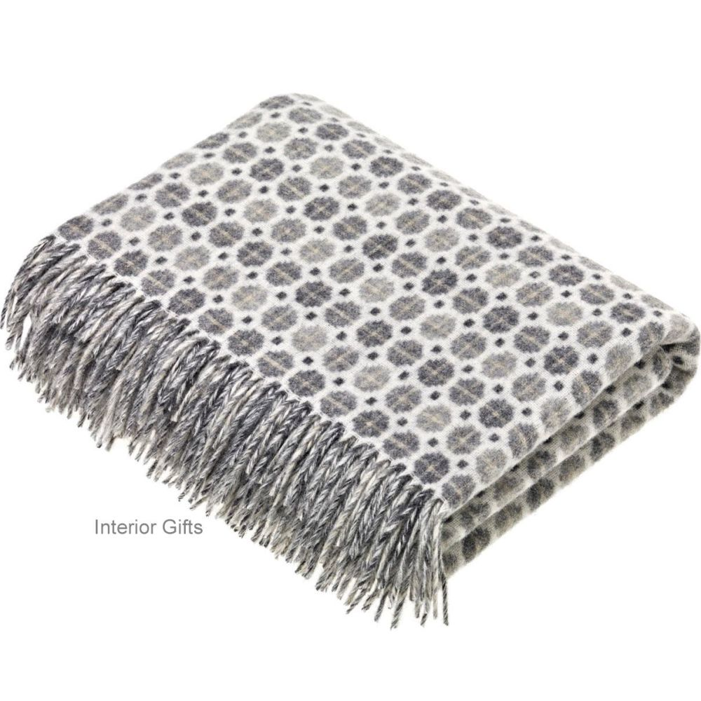 BRONTE by Moon Milan Grey Throw in Supersoft Merino Lambswool