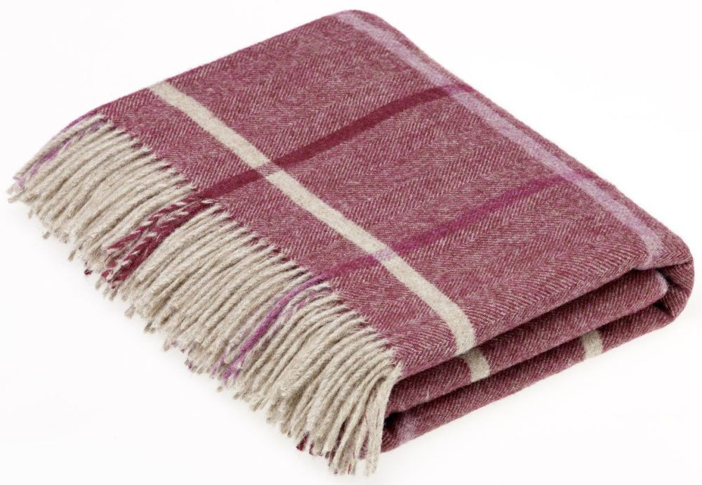 BRONTE by Moon  Berry and Cream Windowpane Throw in 100% Shetland Pure New