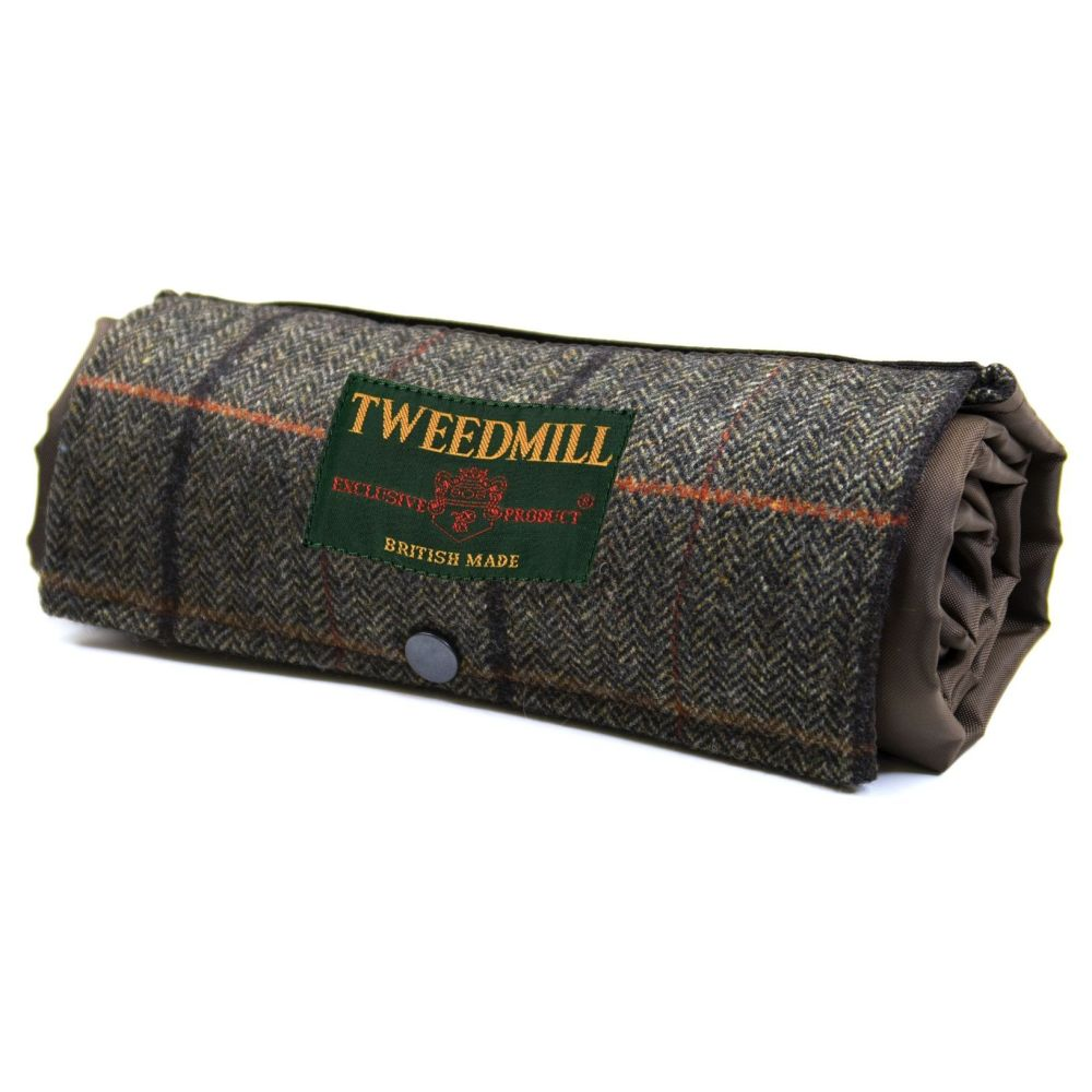 WATERPROOF Backed Picnic Rug COMPACT WALKER Rich Check Wool Tweed Small
