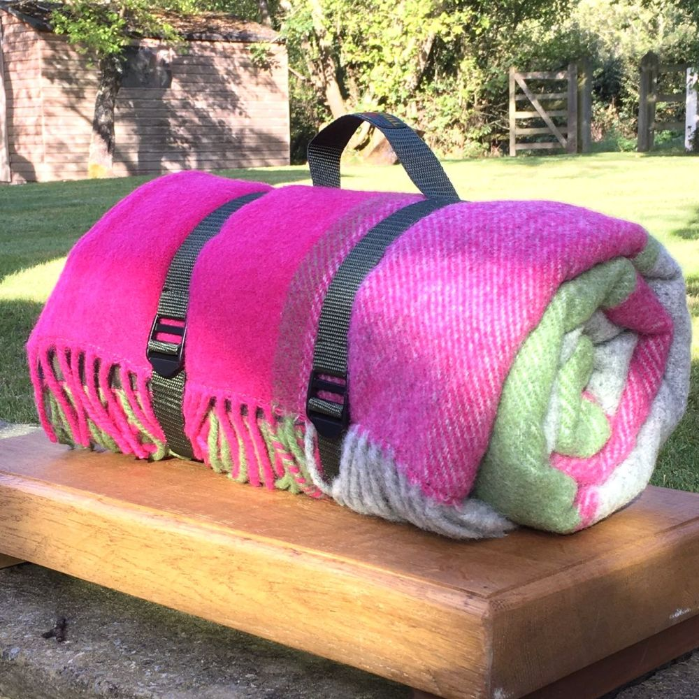 WATERPROOF Backed Wool Picnic Rug / Blanket in Pink/Green/Grey Check with P