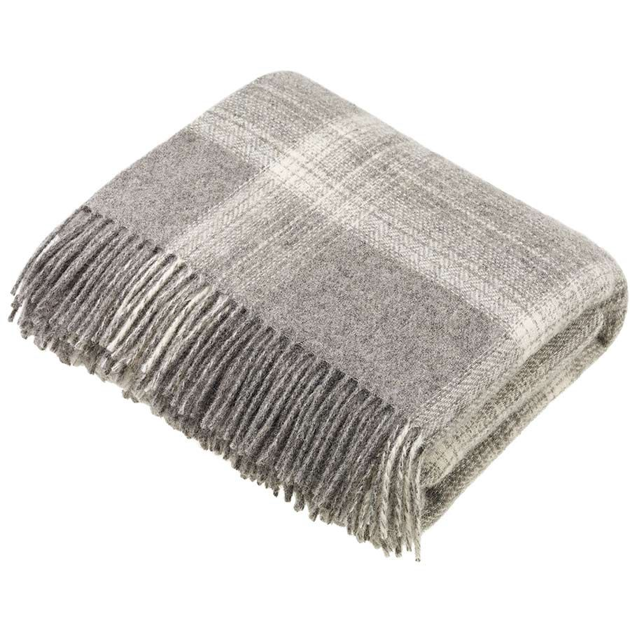 BRONTE by Moon Natural Collection Classic Grey Ombre Check Throw in Shetlan