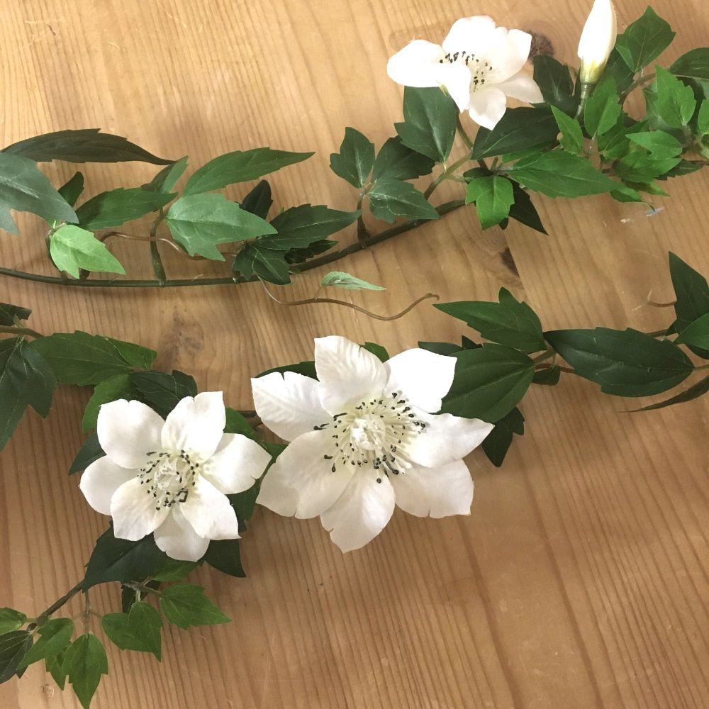 Faux Clematis White Flower Garland - 137 cm