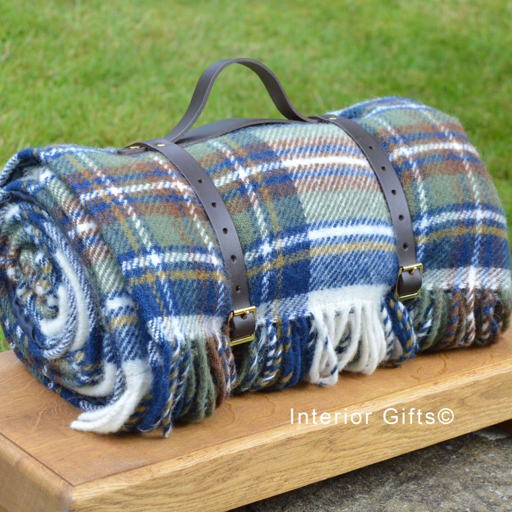 WATERPROOF Backed Wool Picnic Rug / Blanket in Classic Country Blue Check w