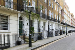 terrace-houses-london-uk-th-april-outside-typical-central-40618722[1]