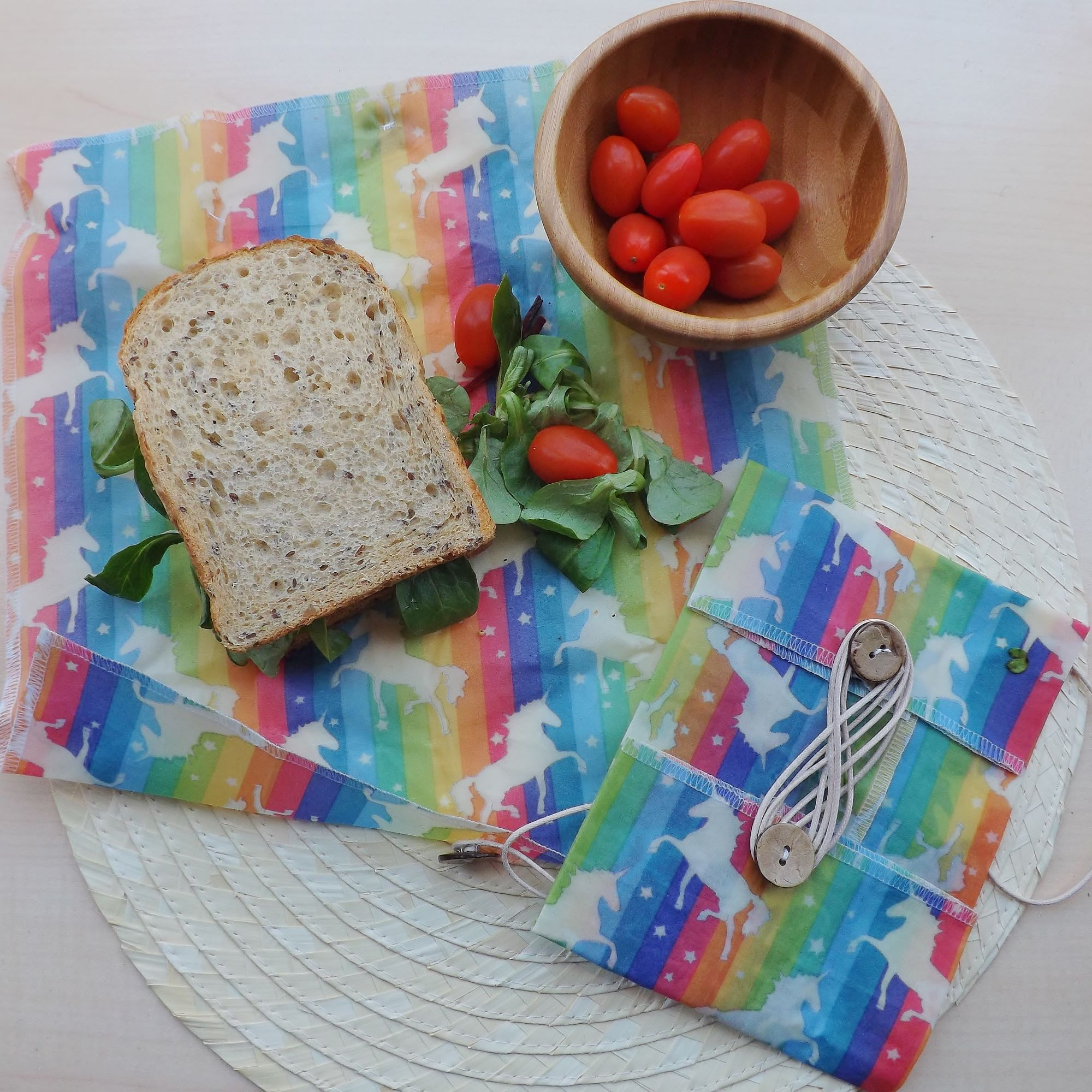 ButtyWrap with sandwich and tomatoes
