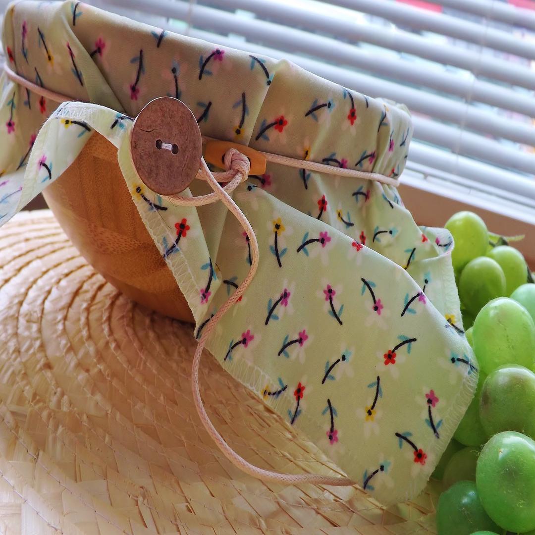 """V-Eco Food Wraps, WrapRoundâ""""¢ with grapes"""