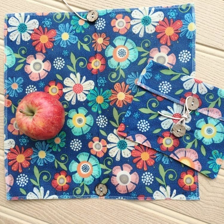 """V-Eco Food Wrapsâ""""¢,  SnackPacketâ""""¢ - floral waxed  ButtyWrap and pouch with a red apple"""