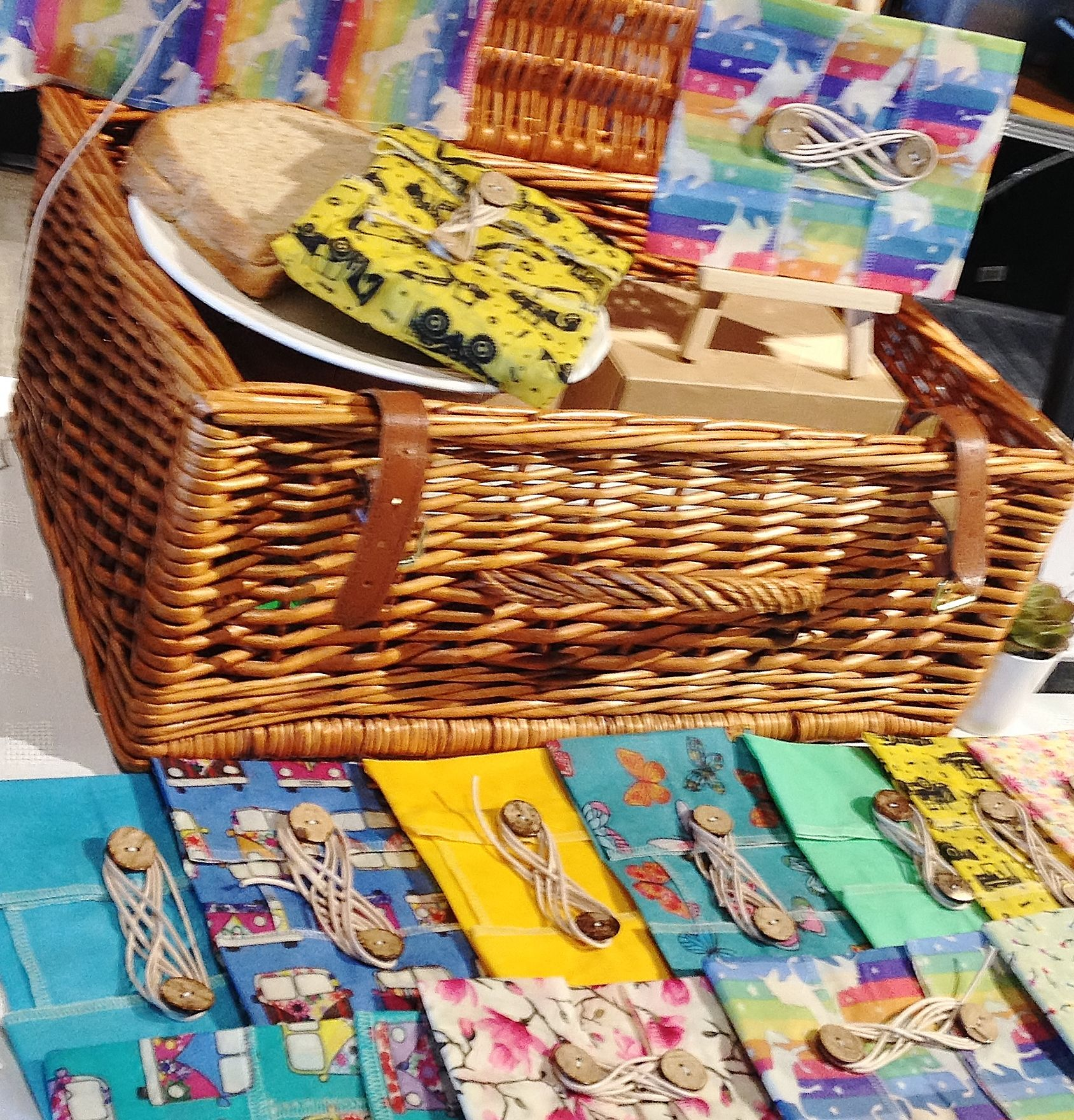 Hamper basket with various fabric waxed wraps from V-Eco Home