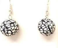 Black crackle earrings v3