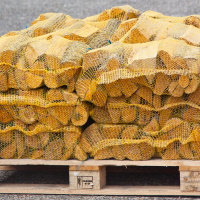 80 Netted Sacks of Kiln Dried Netted Logs