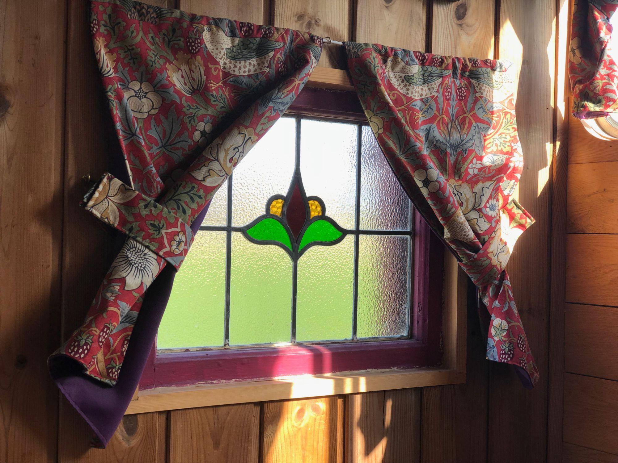 horsebox_window