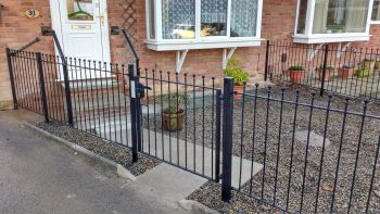 York Gates ball top railings and single gate cw Locinox