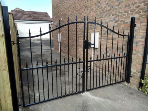 Decorative drive gates