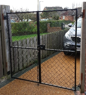 York Gates diamond mesh tall drive gates