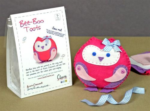 Bee-Boo Toots - Acorn Crescent -Sewing Kit