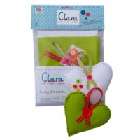 <!-- 002 -->Pretty Felt Hearts - Sewing Kit