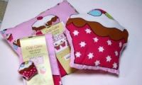 <!-- 004 -->Cup Cake Cotton Pillow Sewing Kit - Craft Cotton Co