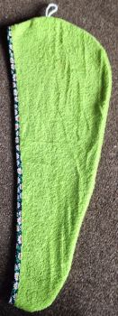 TURBIE TOWEL HAIR WRAP GREEN WITH A NAVY & WHITE DAISY PRINT EDGING