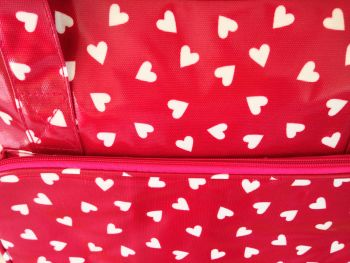 MACH BAG RED HEART CLOSE UP