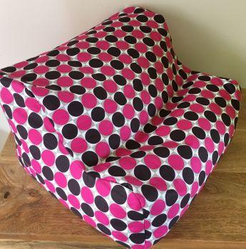 ipad beanbag pink spot empty side