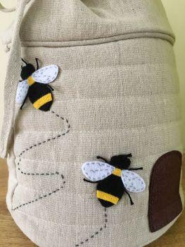 BEE DRAWSTRING CLOSE UP 2