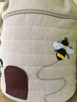 BEE DRAWSTRING CLOSE UP
