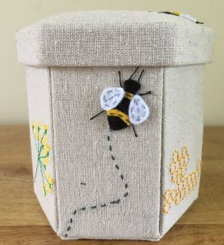 BEE SEWING CASE
