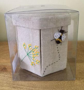 BEE SEWING CASE IN PERSPEX BOX