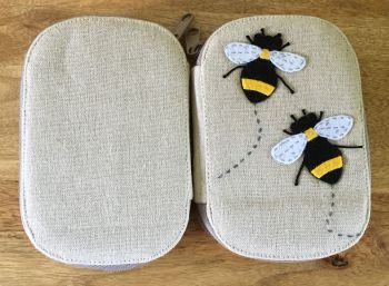 BEE SEWING KIT FRONT & BACK
