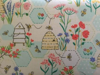 SEWING BEE TWIN LID CLOSE UP