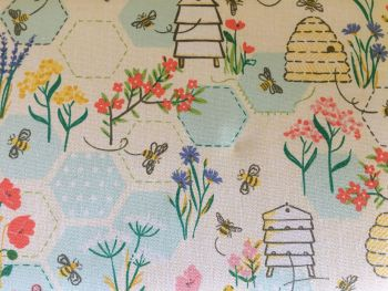 SEWING BEE M CLOSE UP