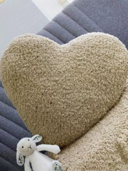 HEART BLANKET & CUSHION (10)