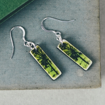 Green mini pendant earrings