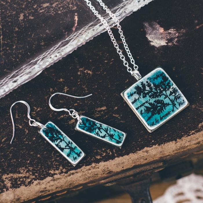 Aqua pendant necklace and earrings set