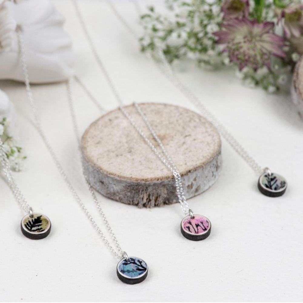 <!-- 001 -->Mini circle pendants