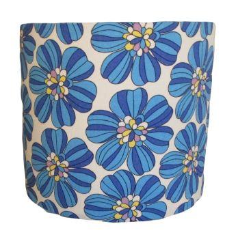 Retro blue flower shade