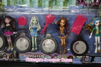 CAKE TOPPER TOY SET - MONSTER HIGH