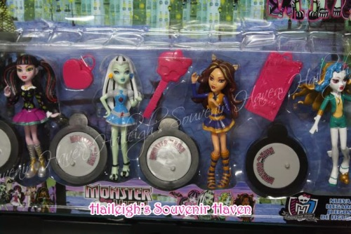 & CAKE TOPPER TOY SET - MONSTER HIGH