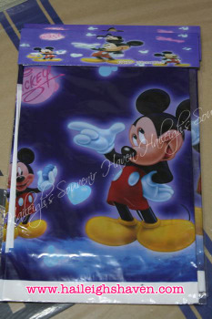 PLASTIC TABLE COVER: MICKEY MOUSE