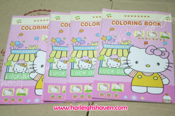 COLORING BOOK (SMALL, 12s): HELLO KITTY