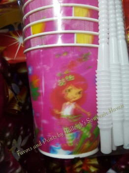 TUMBLER (HOLOGRAM): Strawberry Shortcake
