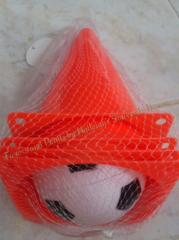 CONSTRUCTION THEME: SAFETY CONES / SOCCER TRAINING SET