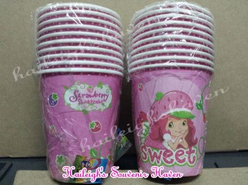 PAPER CUPS [10s]: STRAWBERRY SHORTCAKE