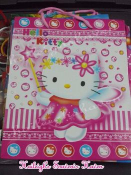 PAPER BAG (MEDIUM): HELLO KITTY