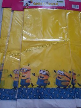 PLASTIC TABLE COVER: MINIONS