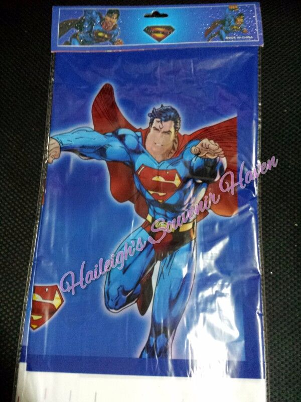 PLASTIC TABLE COVER: SUPERMAN