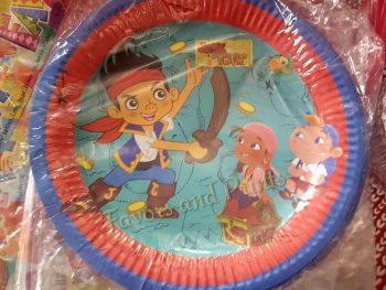 PAPER PLATES [10s]: JAKE AND THE NEVERLAND PIRATES