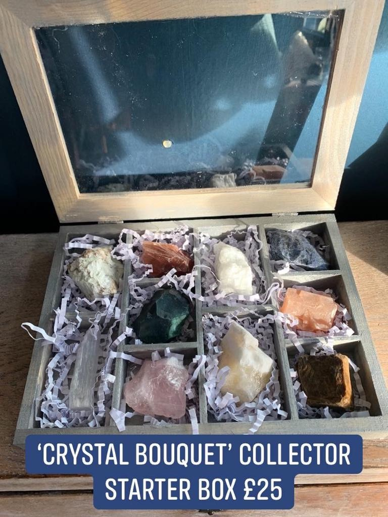 💐 Crystal bouquet 💐  Beautiful display box containing raw display pieces of: Lemon chrysoprase-red calcite-blue calcite-sodalite-selenite-bloodstone-rose quartz-yellow calcite-sunstone-tiger's eye